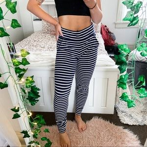 3/$20⚡️ Aerie Navy and White Skinny Sweatpants